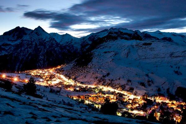 Ophorus Tours - Transfers from Les Deux Alpes