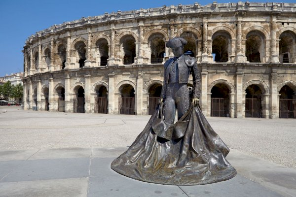 Ophorus Tours - Transfers from Arles