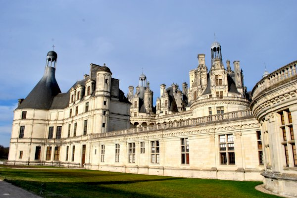 Ophorus Tours - 4 Days Castles of the Loire Valley Private Travel Package - Based in Tours