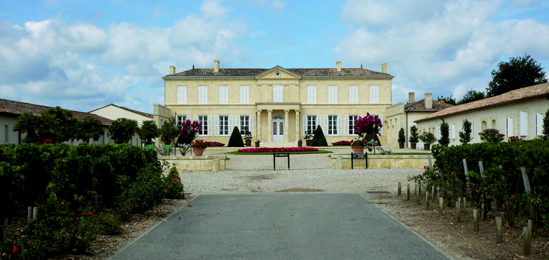 Ophorus Tours - 4 Days Bordeaux Wine Tour Private Travel Package - 4* Hotel Option