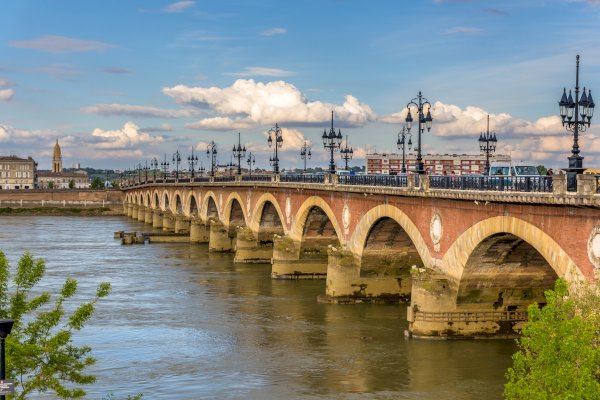 Ophorus Tours - 4 Days Bordeaux Wine Tour Shared Travel Package - 3* Hotel Option