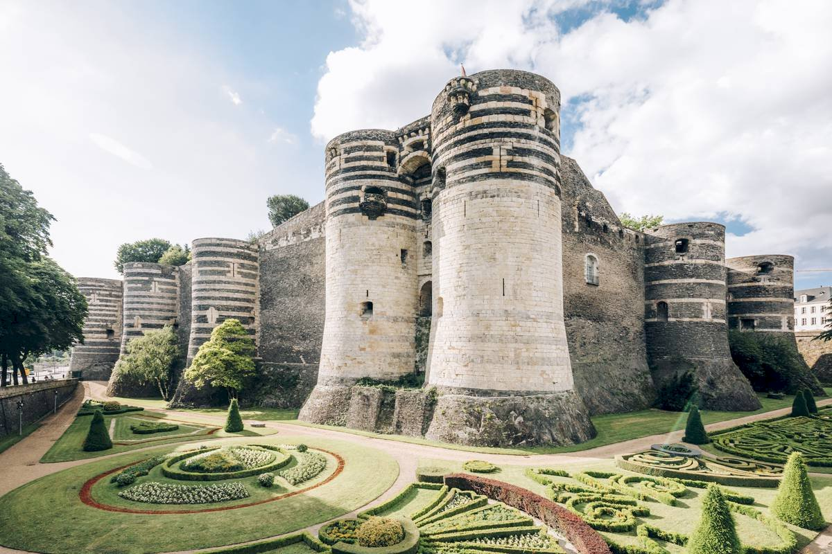Ophorus Tours - Loire Valley Castles Small Group Private Shore Excursion From Nantes