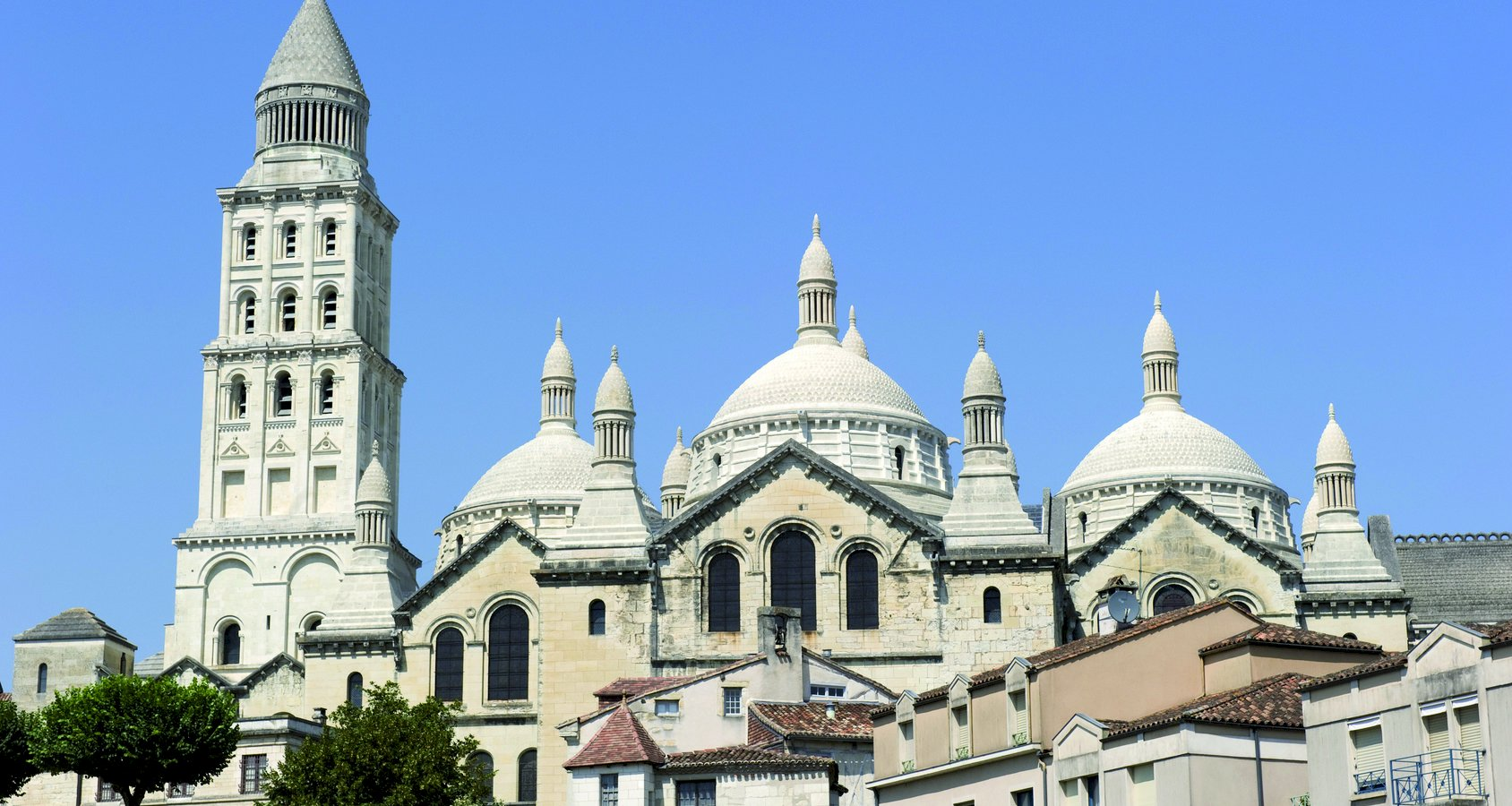 Ophorus Tours - Périgueux Small Group Private Guided Walking Tour with a Licensed Tour Guide