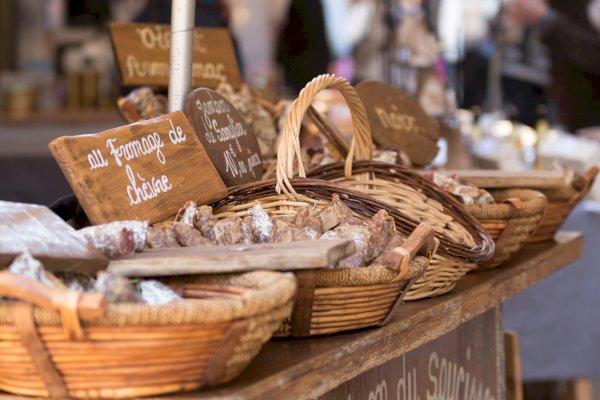 Ophorus Tours - Sarlat Market Visit  & Dordogne Gourmet Food tour
