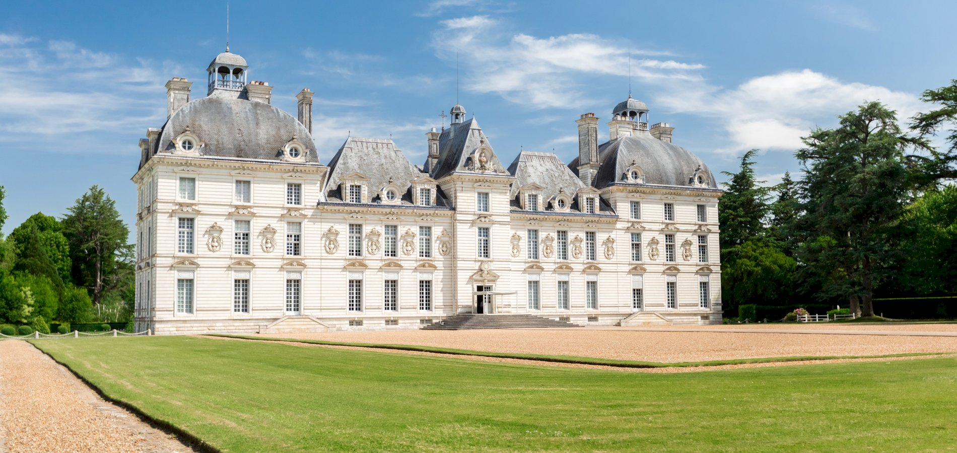 Ophorus Tours - 4 Days Loire Valley Private Travel Package - Based in Amboise - 4* Hotel