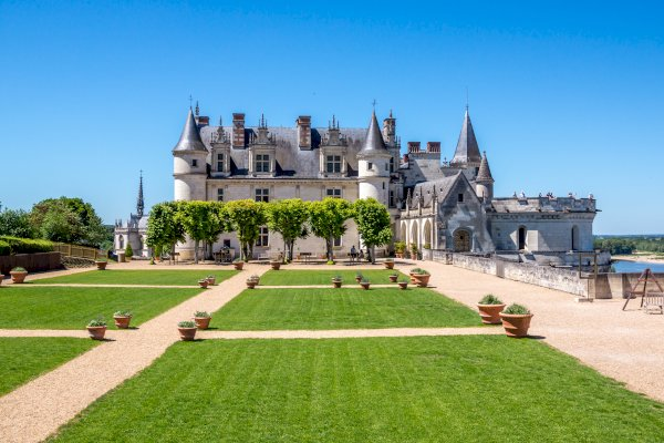 Ophorus Tours - 4 Days Renaissance Castles of the Loire Valley Private Travel Package - 3* Hotel Option
