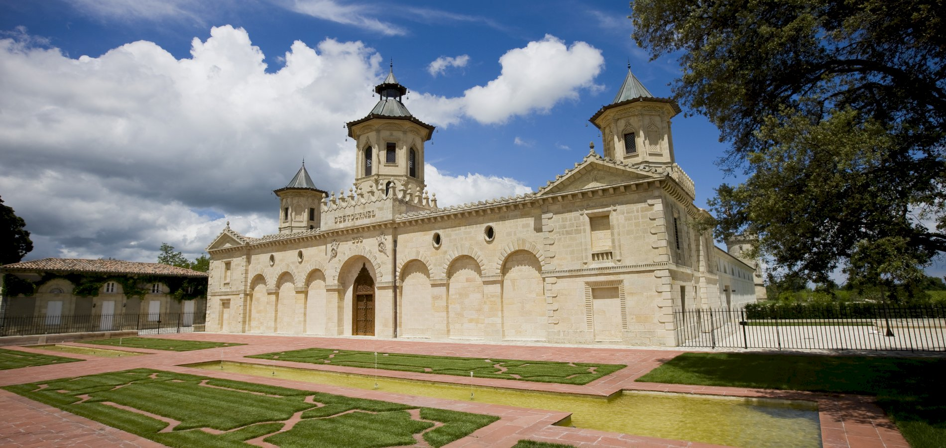 Ophorus Tours - From Bordeaux City to Le Verdon Cruise Port Small Group Private Medoc Wine Tour