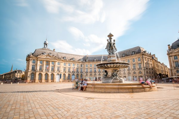 Ophorus Tours - From Arcachon to Bordeaux Private Transfer