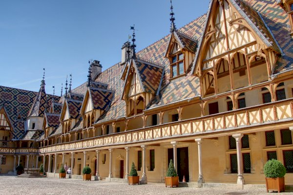 Ophorus Tours - From Basel to Beaune Private Transfer