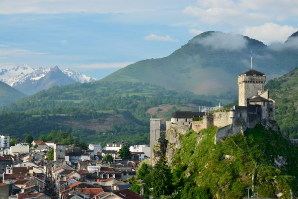 Ophorus Tours - From Bordeaux to Lourdes Private Transfer