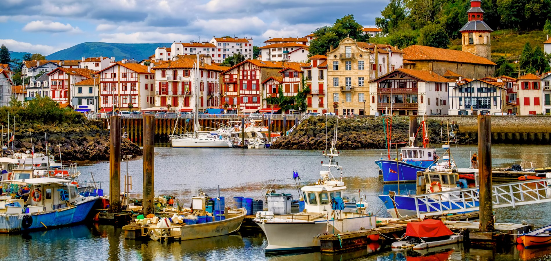Ophorus Tours - From Bordeaux to San Sebastian Sightseeing Transfer