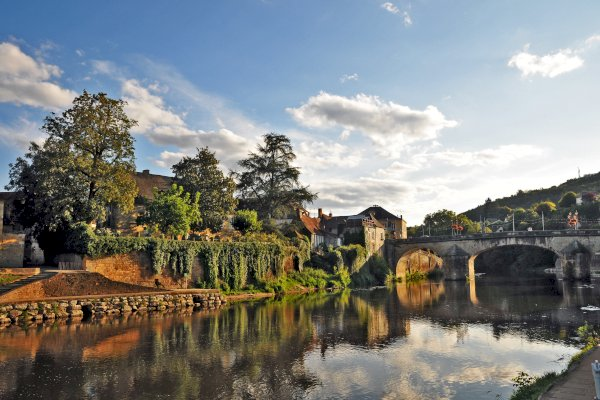 Ophorus Tours - From Bordeaux to Sarlat la Canéda Private Sightseeing Transfer
