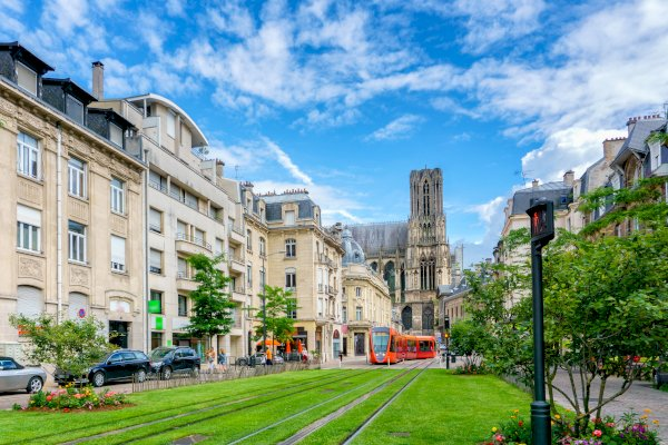 Ophorus Tours - From Paris to Reims Private Transfer