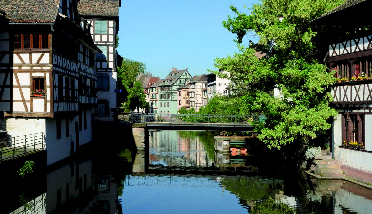 Ophorus Tours - From Paris to Strasbourg Private Transfer