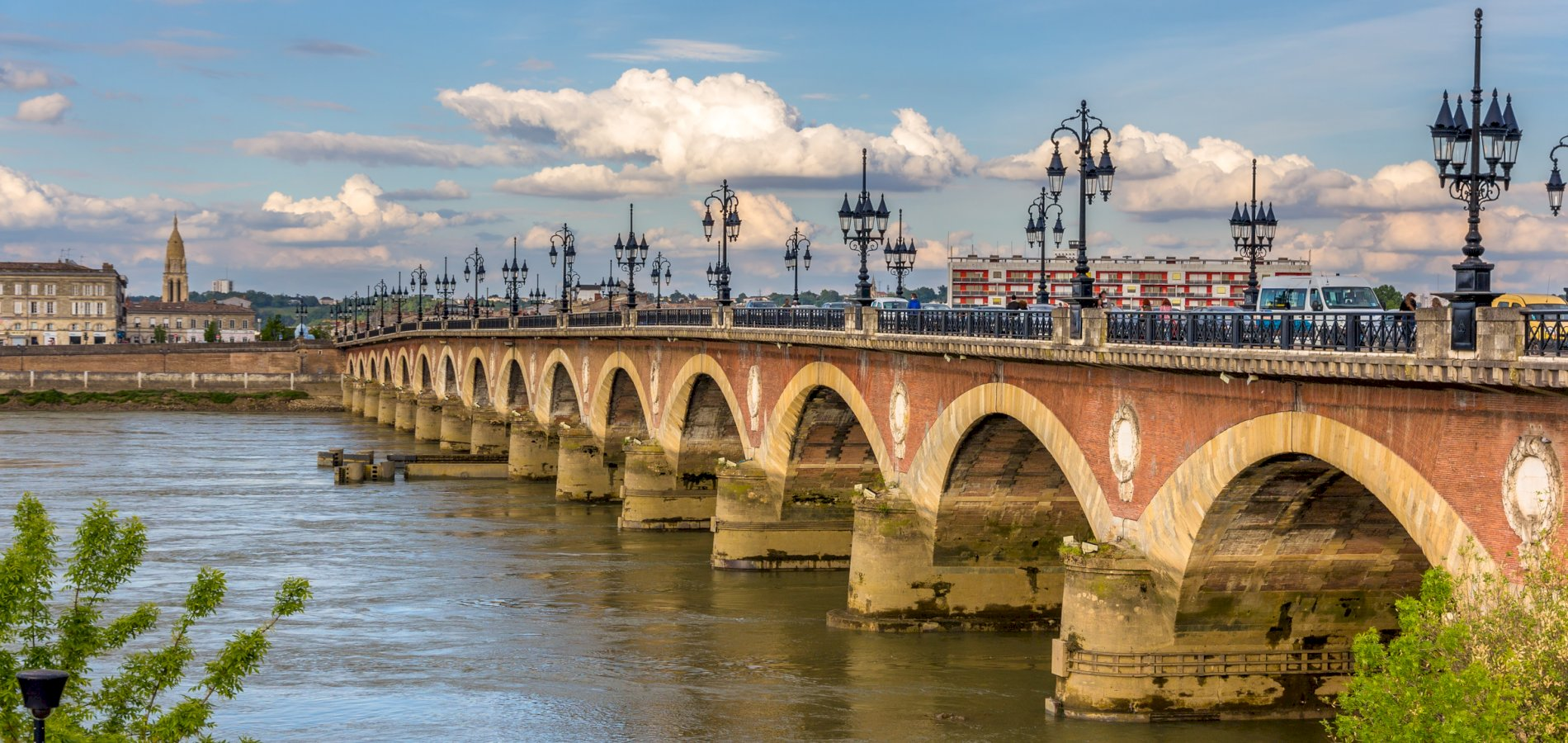 Ophorus Tours - From Saint Emilion to Bordeaux Private Transfer