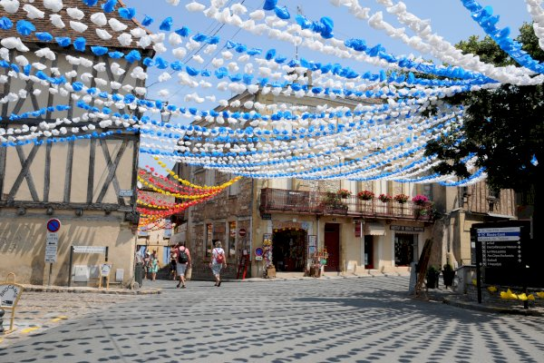 Ophorus Tours - From Sarlat la Canéda to Bergerac Private Transfer