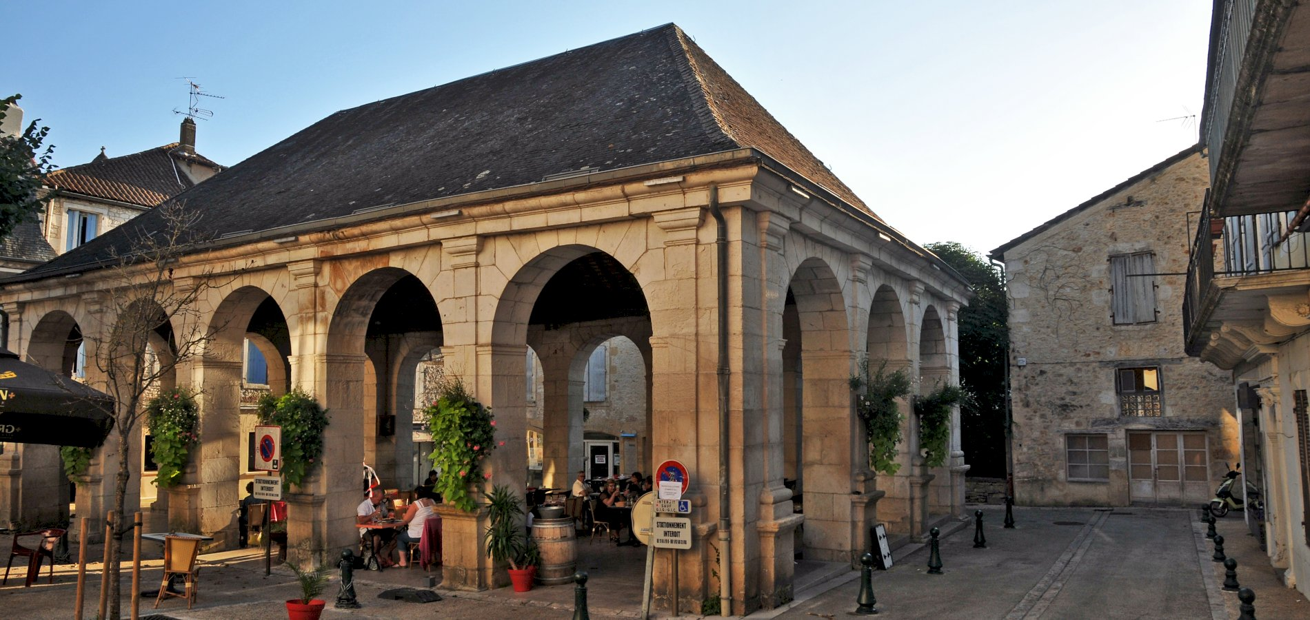 Ophorus Tours - From Sarlat la Canéda to Souillac Private Transfer