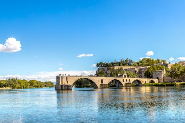 Ophorus Tours - Avignon Visit & The Luberon Private Day Trip from Aix en Provence