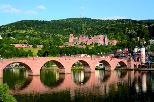 Ophorus Tours - From Strasbourg to Frankfurt Private Sightseeing Transfer