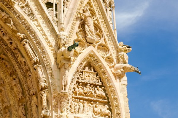 Ophorus Tours - From Strasbourg to Reims Private Transfer