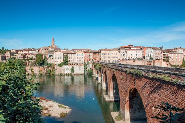 Ophorus Tours - From Toulouse to Albi Private Transfer