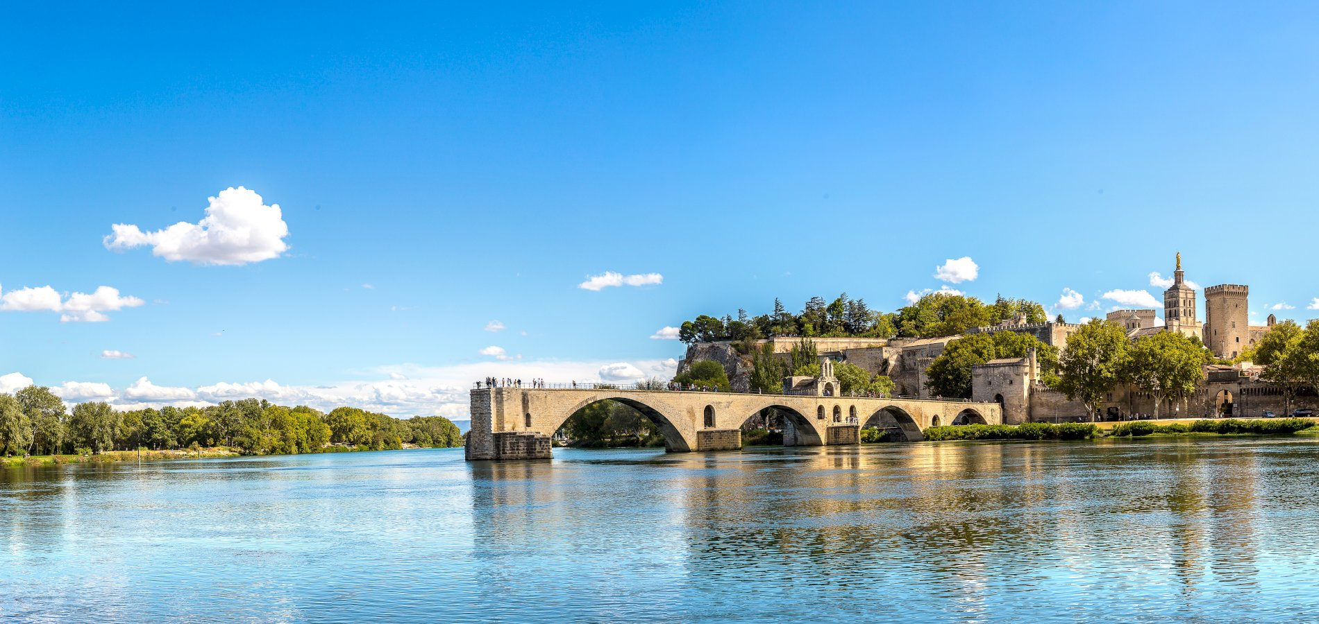 Ophorus Tours - From Toulouse to Avignon Private Transfer