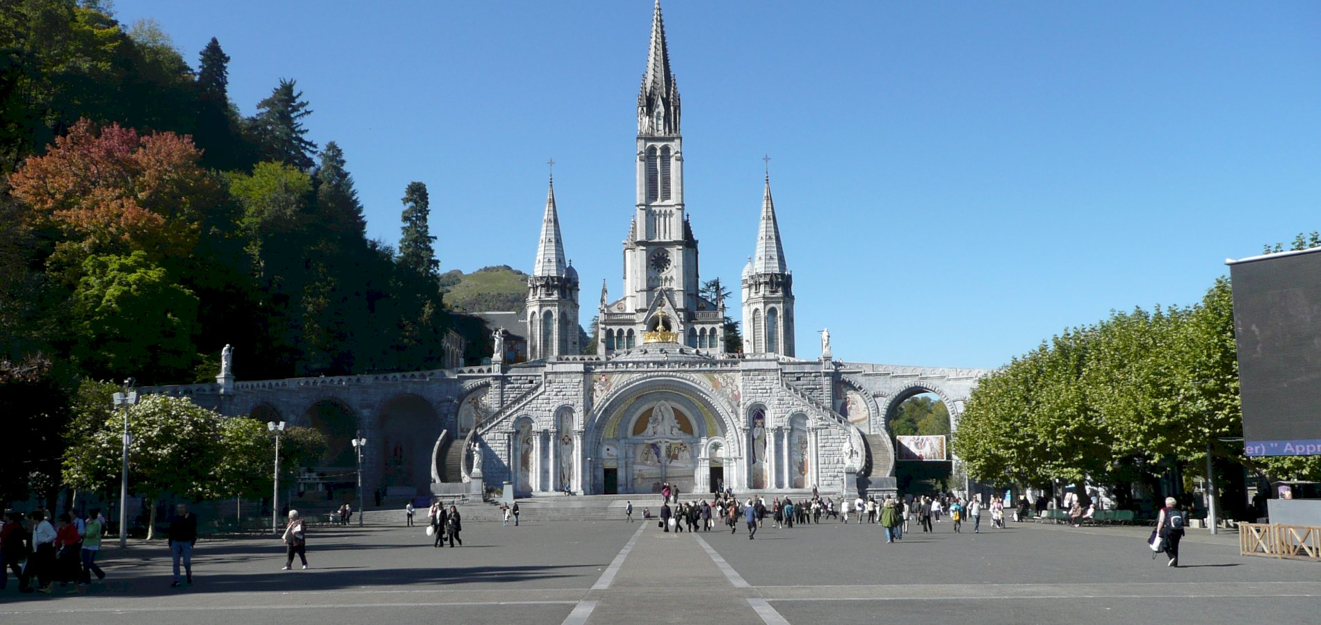 Ophorus Tours - From Toulouse to Lourdes Private Transfer