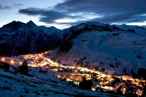 Ophorus Tours - From Lyon to Les Deux Alpes Private Transfer