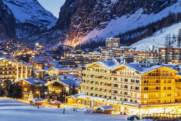Ophorus Tours - From Lyon to Val d'Isère Private Transfer