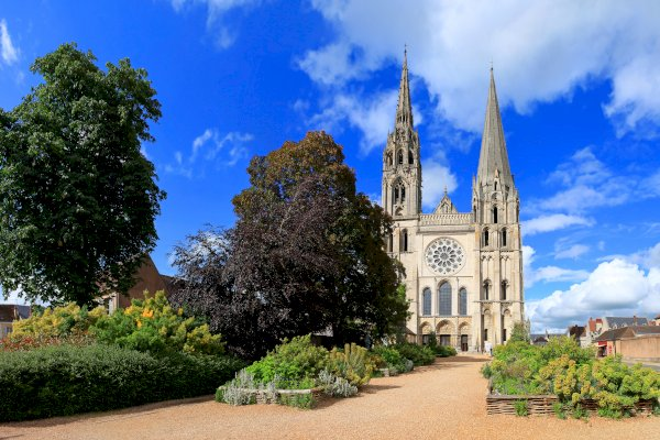 Ophorus Tours - From Paris to the Loire Valley Private Sightseeing Transfer