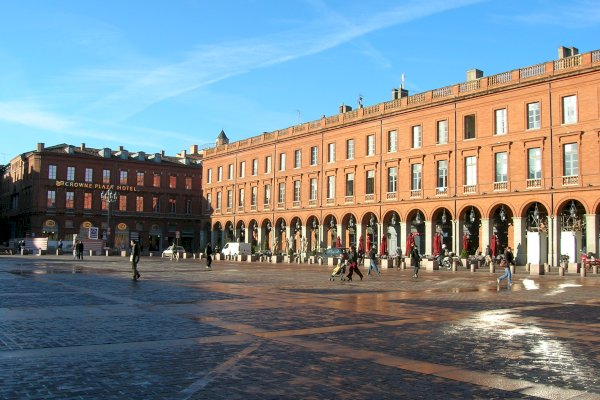 Ophorus Tours - From Sarlat la Canéda to Toulouse Private Transfer