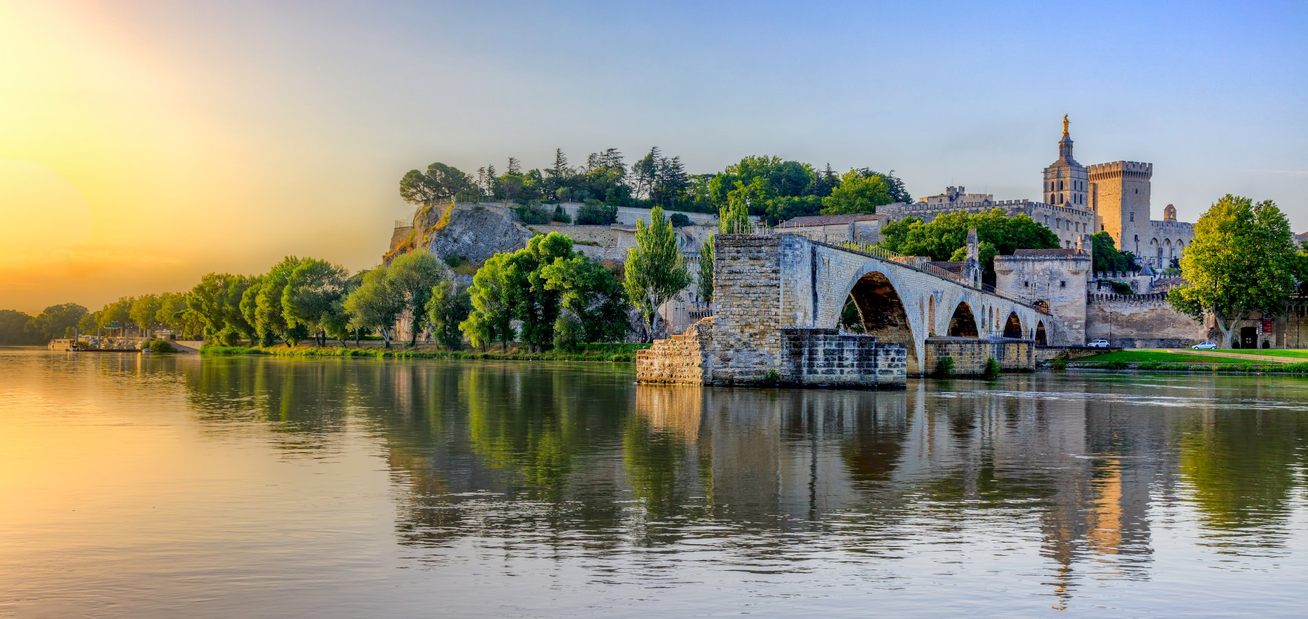 Ophorus Tours - From Marseille to Avignon Private Transfer