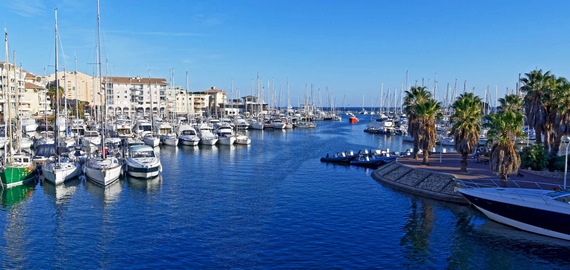 Ophorus Tours - From Marseille to Fréjus Private Transfer