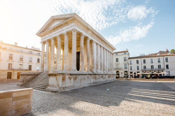 Ophorus Tours - From Marseille to Nîmes Private Transfer