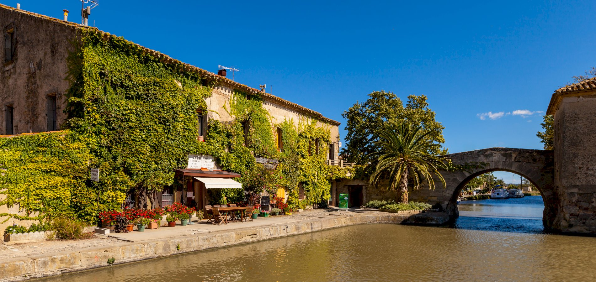 Ophorus Tours - From Toulouse to Argens Minervois Canal du Midi Private Transfer