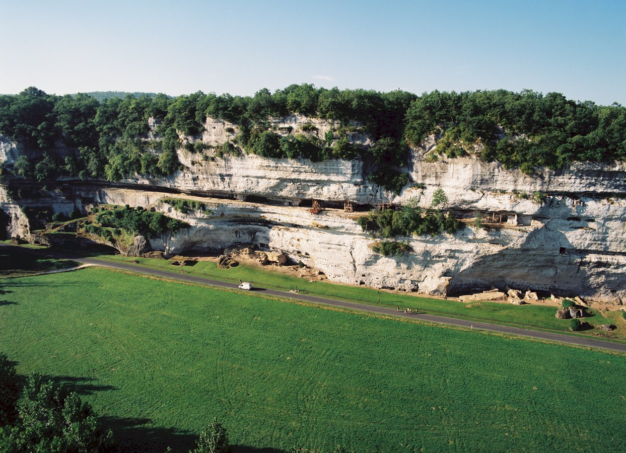 Ophorus Tours - 8 Days Bordeaux & Dordogne Shared Travel Package - 3* Hotel Option