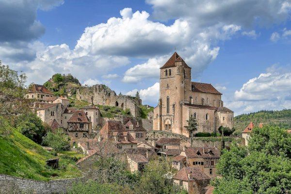 Ophorus Tours - Pech Merle Cave & Saint Cirq Lapopie Village Private Full Day Trip from Sarlat