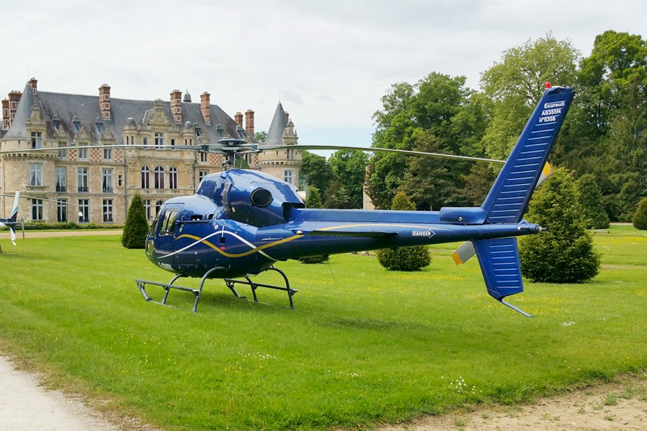 Ophorus Tours - Vaux de Cernay Abbey Visit & Lunch Private Helicopter Tour from Paris